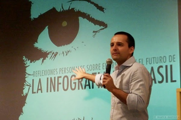 Alberto Cairo en una conferencia